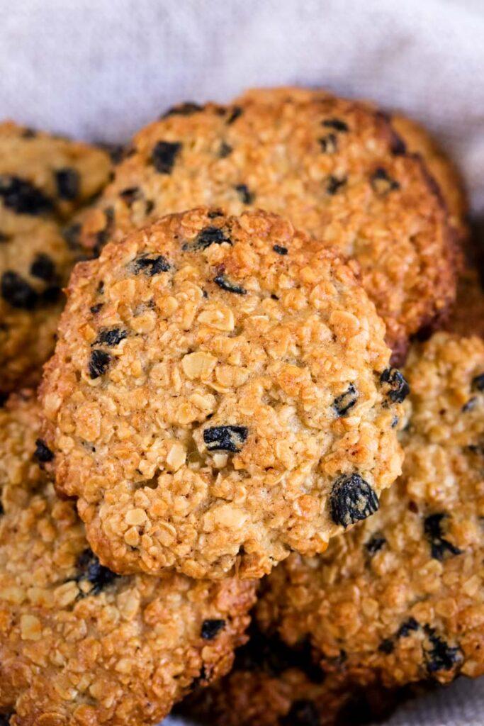 macro close up shot of oatmeal raisin cookie easy